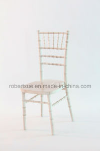 Stack Cheap Banquet Limewash Chivary Chairs Chiavari Chairs for Weddings pictures & photos