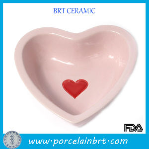 Pink Heart-Shaped Dog Bowl Pet Feeder pictures & photos