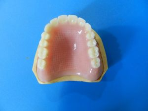 Complete Acrylic Dentures pictures & photos