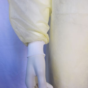 Disposable SMS Non-Woven Yellow Isolation Gown with Knitted Cuffs pictures & photos