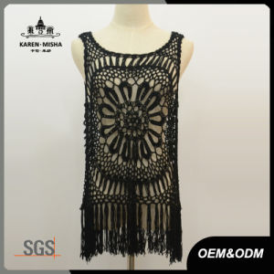 Women Black Scalloped Collar Crochet Tank Top with Fringe Hem pictures & photos