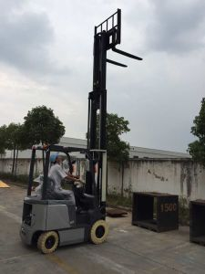 Factory Price 1.5ton 4-Wheel Electric Forklift pictures & photos