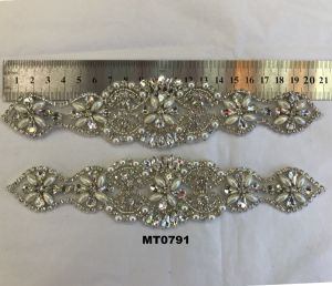 Wholesale Crystal Grade-a and Pearls Patches Diamond Applique for Wedding