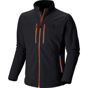 OEM High Quality Black Colour Hiking Softshell Jacket Men pictures & photos