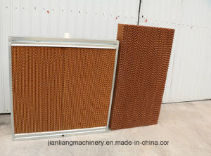Customerized Cooling Pad in Farm with Low Cost Prefabricated House pictures & photos