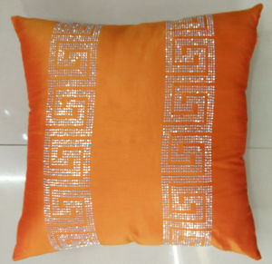 Hand-Made Decorative Pillow Diamond Ironing Decorative Cushion (XPL-53) pictures & photos