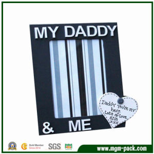 Good Quality Wooden Picture Frame for Father′s Gift pictures & photos
