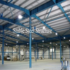 Structure Steel Fire-Proof Workshop with Fiberglass Sandwich Panels pictures & photos