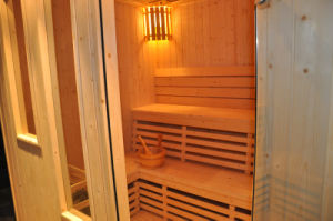 5-8 People Hotel Traditional Dry Wood Sauna Cabin House (A-202) pictures & photos
