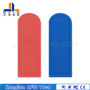 915/13.56MHz 80mm Reading Distance Silicone Clothing Label pictures & photos