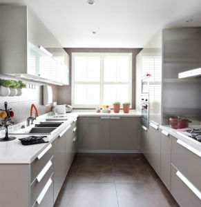 High Quality Customized Kitchen Cabinet for House Project pictures & photos