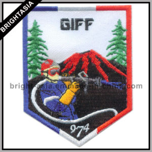 Custom Embroidery Badge for Organization Use (BYH-10936) pictures & photos