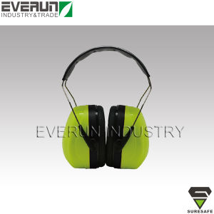 CE EN352 Shooting Earmuffs Ear Protectors pictures & photos