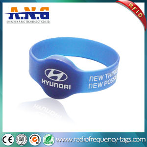 Silicon Satisfying Round RFID Wristband and RFID Bracelets for Concerts & Events pictures & photos