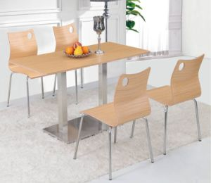 High Gloss White 4 Legs Hotel Banquet Dining Table Furniture Set pictures & photos