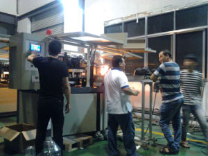 Jar Bottle Blowing Mould Machine with CE of Conveyer pictures & photos