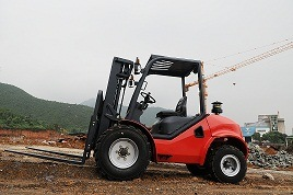4ton Rough Terrain Forklift with CE Certificate pictures & photos