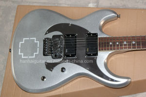 Hanhai Music / Slivery Electric Guitar with Emg Pickups pictures & photos