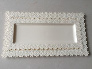 Big Plastic Tray with Flower Side (BT117)