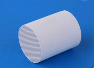Honeycomb Ceramic Catalytic Converter Substrate Ceramic Honeycomb Catalyst Substrate pictures & photos