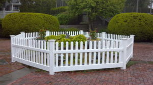 Chinese Style PVC Picket Fencing pictures & photos