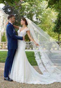 Sexy Backless Wedding Dresses Mermaid Lace Bodice Sheer Train Wedding Dress