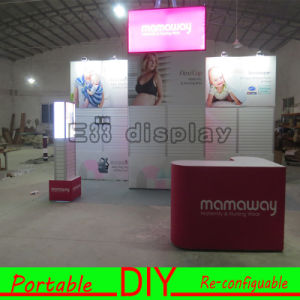Custom Easy Set-up Portable Modular Exhibition Stand for Trade Show Fair Display Booth with Lightbox pictures & photos