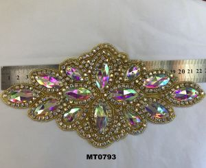 Wholesale Crystal Grade-a and Rhinestone Patches Diamond Applique for Wedding