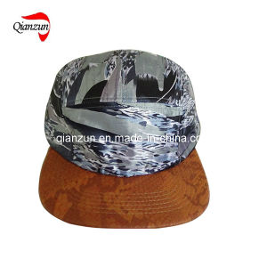 Custom Snake Leather Brim 5 Panel Baseball Caps pictures & photos