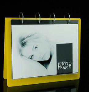 Customize Ad-142 Magnetic Clear Acrylic Photo Frame pictures & photos