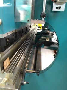 Hydraulic Bending Machine (zyb-2000t*10000) /Hydraulic Pipe Bender with Ce and ISO9001 Certification/Hydraulic Press Brake/Hydraulic Press Brake with Ce pictures & photos