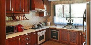 American Style Solid Wood Kitchen Cabinet (cherry 2) pictures & photos