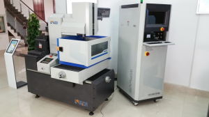Easy Operating CNC EDM Wire Cut Machine with Good Price Fr400g pictures & photos