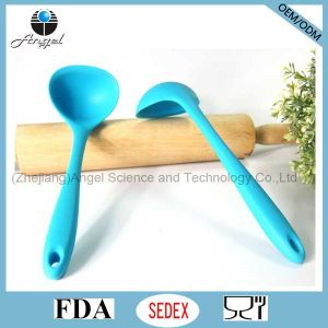 Hot Sale Silicone Cooking Spoon for Kitchen Tool Silicone Soup Spoon Sk14