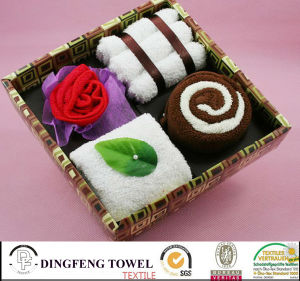 2016 New Season Design Wedding Cake Gift Towel Sets Df-2875 pictures & photos