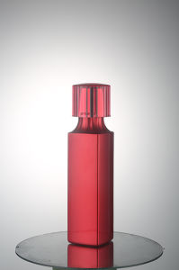 Red Plastic Cosmetic Bottles Qf-025 pictures & photos