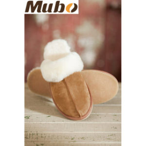 Winter Sheepskin Leather Women Slipper pictures & photos