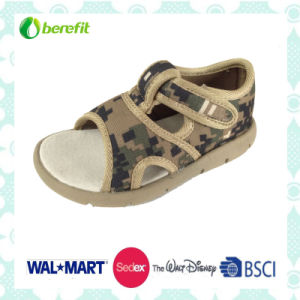 Colorful Design and Soft Wear Feeling, Children′s Sandals pictures & photos