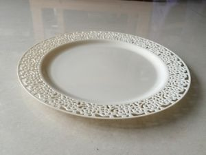 "9"" Plastic Dinner Plate with Lace Side (SLP90)"