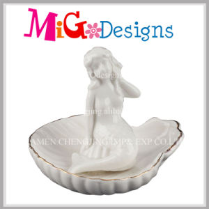 Factory Price White Mermaid Ceramic Ring Holder with Gold Line pictures & photos