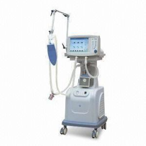 CE Marked LCD Display ICU Hospital Ventilators (CWH-3010) pictures & photos