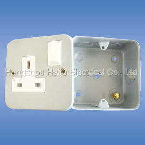 Wall Switched Socket (Metal Clad Range) pictures & photos
