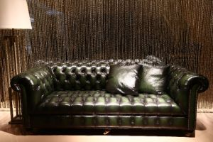 Green Color Classic Bush-off Leather Chesterfield Sofa (A6) pictures & photos