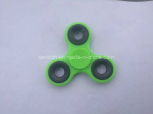 2017 Top Selling Plastic Hand Toy Fidget Spinner Finger Spinner PL30 pictures & photos