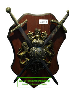 Decorative Swords on Plaque 953010 pictures & photos