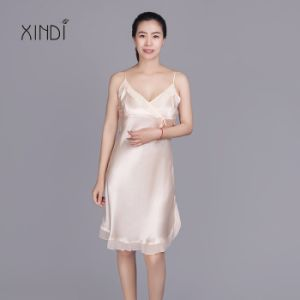 873ec1593e China 100% Pure Silk Sleepwear Sexy Nightgown for Women - China Silk ...