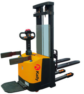 4.5m Triple Mast Electric Stacker with Full Free Lift