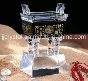 China Glass Art Ancient Chinoiserie Crystal Ding with Black Base pictures & photos