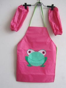 Waterproof Disposable PE Apron for Kids Promotional Printed Apron pictures & photos