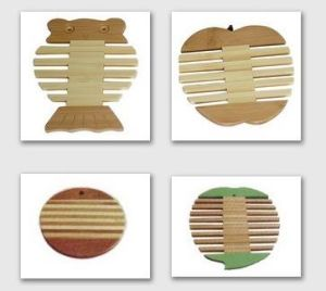 Two-tone Apple-shaped Bamboo Trivet / Coaster